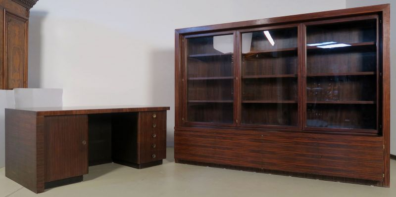 Funktionaler, eleganter Bauhaus Bücherschrank aus Macassar Antik Kolosseum 4