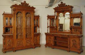 Unglaubliche repräsentative Gründerzeit Möbel-Vitrine und Buffet Antik Kolosseum