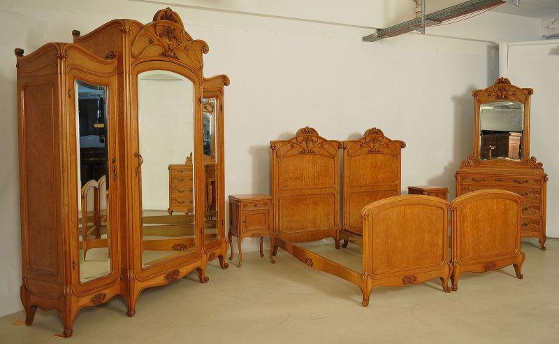 Elegantes Sechsteiliges Jugendstil Schlafzimmer Aus Ahorn Antik Kolosseum.  Alle Bilder Zeigen