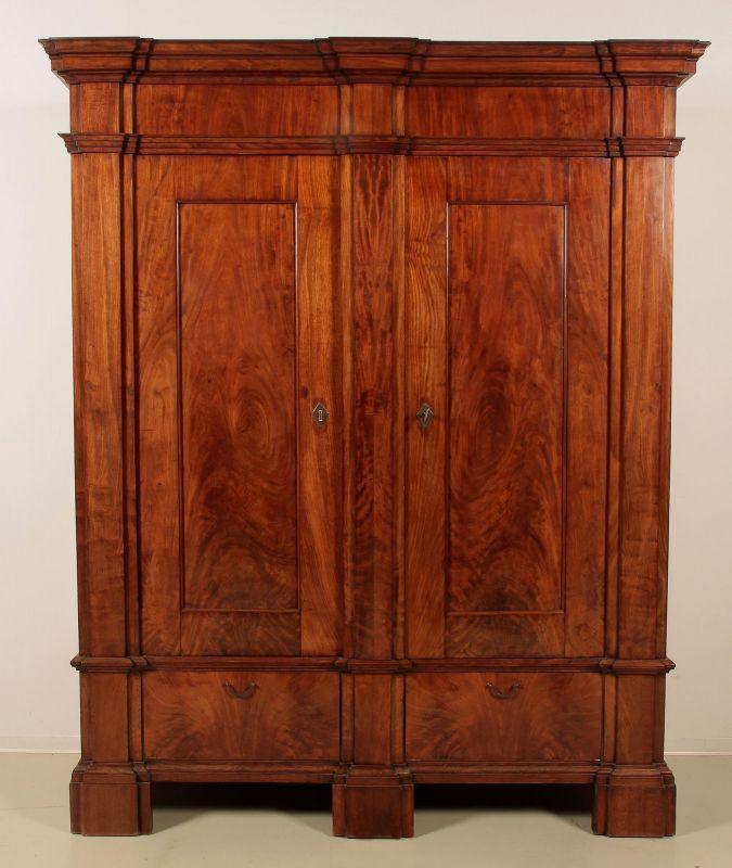 Aussergewöhnlicher Mahagoni Biedermeier Wäsche- Kleiderschrank Antik Kolosseum