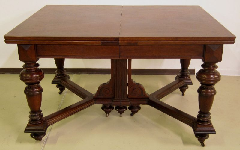 Schöner Auszug- Tisch aus der Gründerzeit mit Einlegeböden Antik Kolosseum