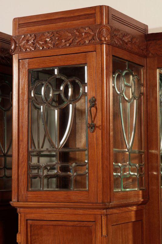 Zwei schöne Jugendstil Buffets mit wunderschönen Glasarbeiten Antik Kolosseum 7