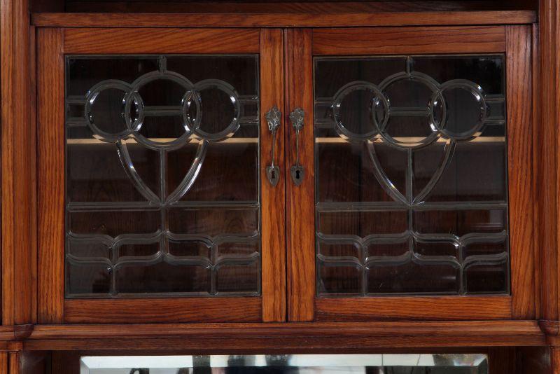 Zwei schöne Jugendstil Buffets mit wunderschönen Glasarbeiten Antik Kolosseum 9