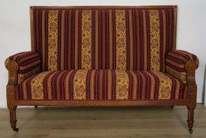Elegantes Gründerzeit Sofa / Couch aus Nussbaum Antik Kolosseum