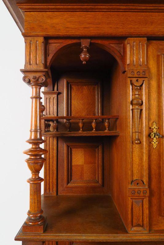 Gründerzeit Buffet aus Eiche mit Vollsäulen Antik Kolosseum 5