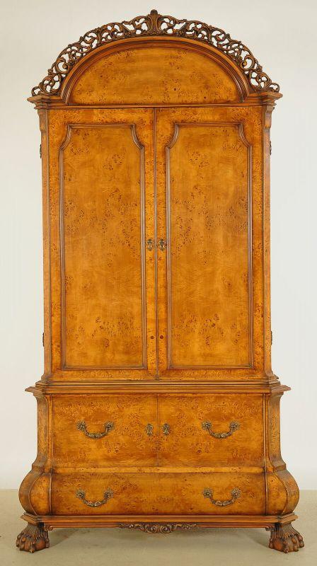 Schöner Neorenaissance Kabinettschrank mit runder Krone Antik Kolosseum