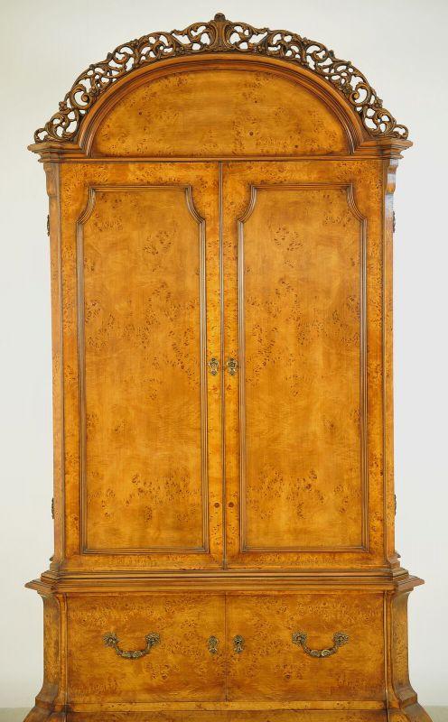 Schöner Neorenaissance Kabinettschrank mit runder Krone Antik Kolosseum 3