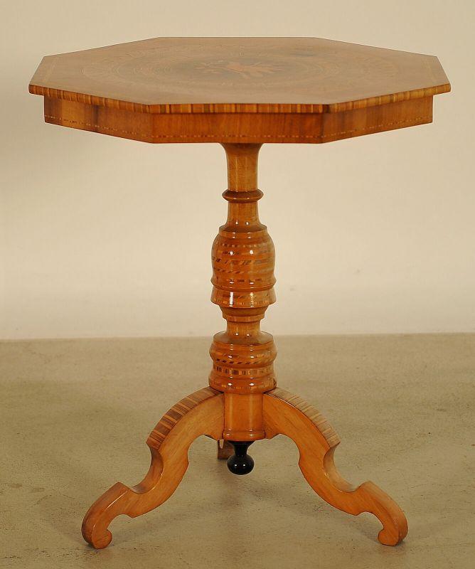 Wunderschöner achteckiger Gründerzeit Tisch aus Kirschholz Antik Kolosseum 2