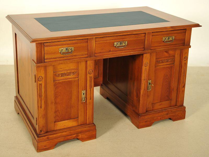 Restaurierter Jugendstil Schreibtisch aus Weichholz Antik Kolosseum