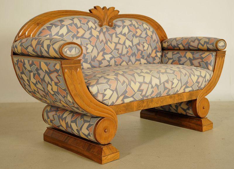 Wunderschönes Art Deco Sofa in Gondelform in Nussbaum Antik Kolosseum 1