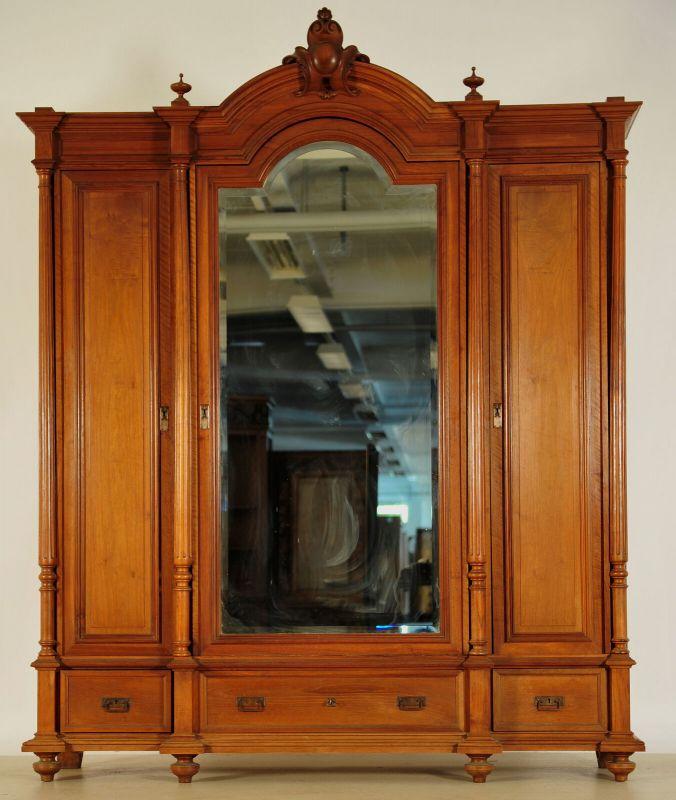 Schöner Gründerzeit Kleiderschrank mit facettierten Spiegel Antik Kolosseum 0