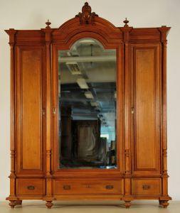 Schöner Gründerzeit Kleiderschrank mit facettierten Spiegel Antik Kolosseum