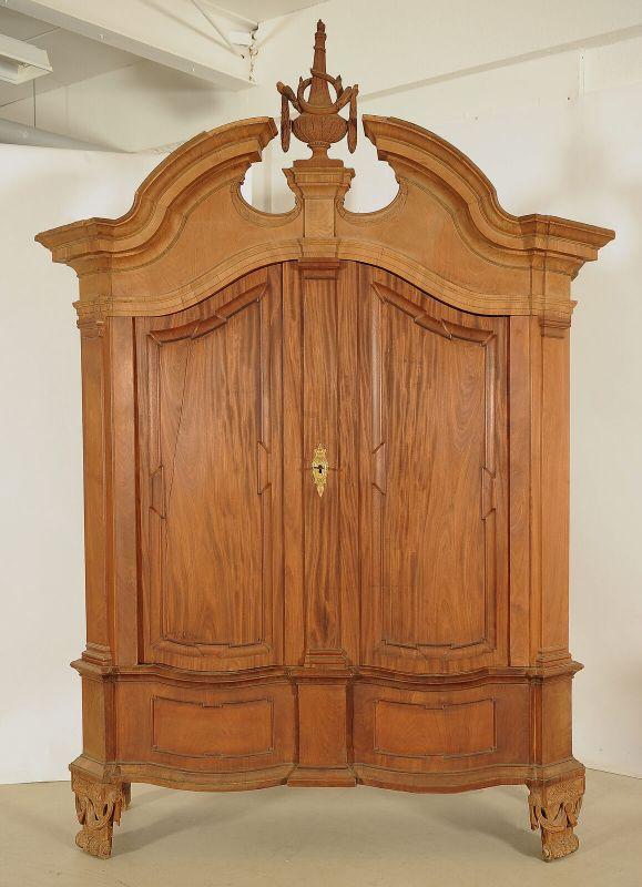 Seltener riesiger Barock Kleiderschrank aus Mahagoni Antik Kolosseum