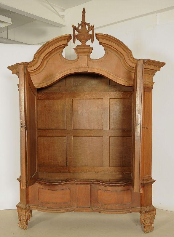 Seltener riesiger Barock Kleiderschrank aus Mahagoni Antik Kolosseum 2
