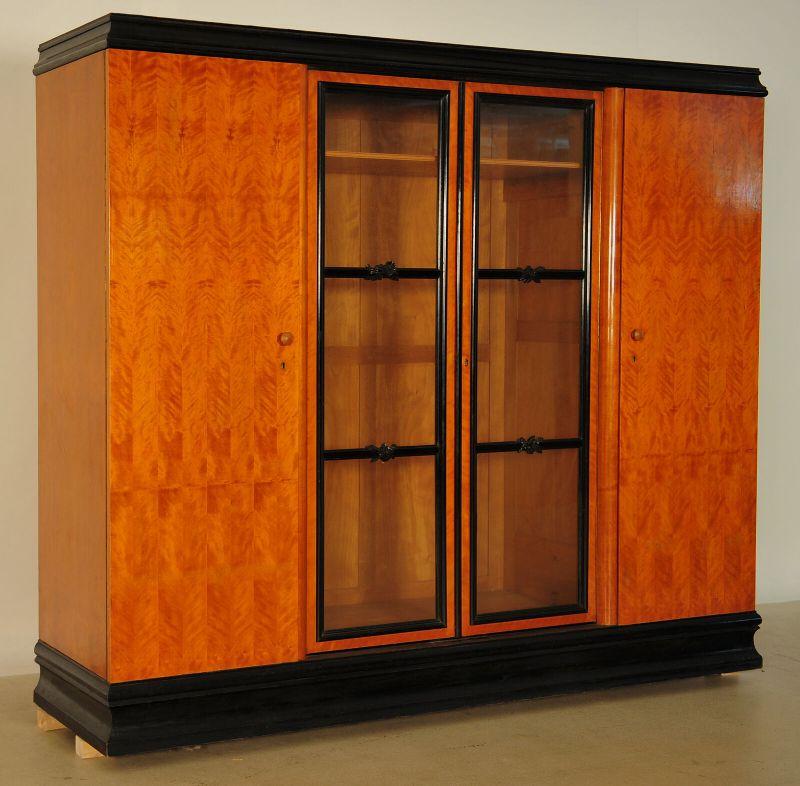 Art Deco Kleiderschrank aus Birkenholz teilweise ebonisiert Antik Kolosseum 1