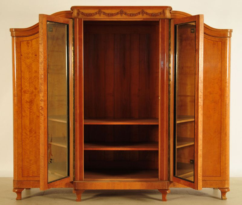 GebrauViertüriger großer Art Deco Kleiderschrank aus Birkenholz Antik Kolosseum 2
