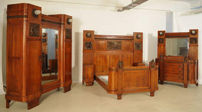 Unglaubliches Jugenstil Schlafzimmer mit Bronzeputten/platten Antik  Kolosseum