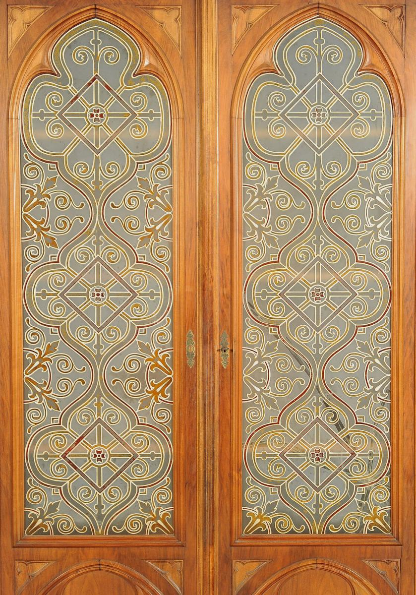 Seltene Historismus Vitrine im gotischen Stil mit Rundbögen Antik Kolosseum 3