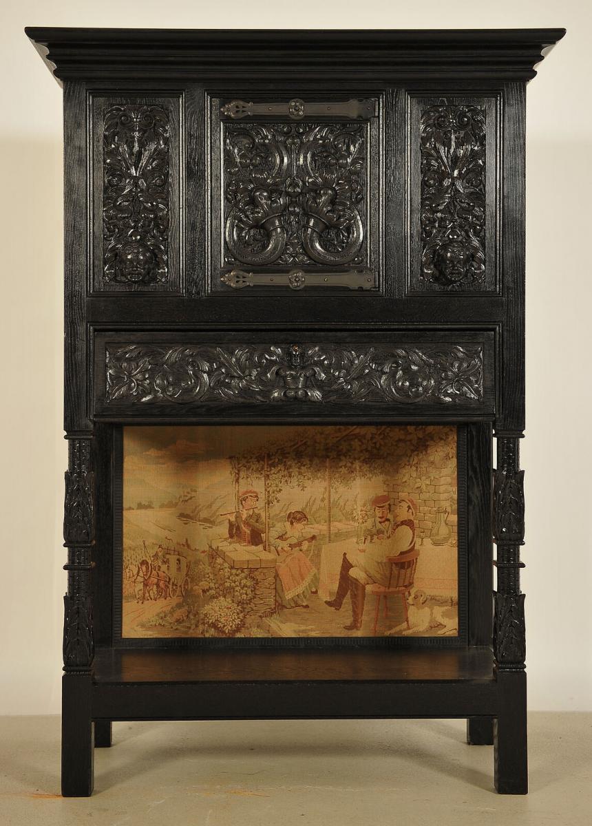 Dunkler Kabinettschrank aus der Neogotik mit Schublade Antik Kolosseum 0