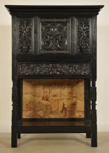 Dunkler Kabinettschrank aus der Neogotik mit Schublade Antik Kolosseum