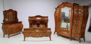 Fünfteiliges französisches Neobarock Schlafzimmer aus Nussbaum Antik Kolosseum