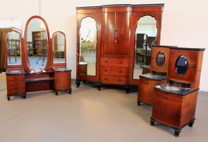 Vierteiliges Mahagoni Schlafzimmer aus den 20er Jahren Antik Kolosseum