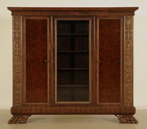 Dreitüriger Neorenaissance Bücherschrank mit Glasscheibe Antik Kolosseum