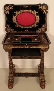 Wunderschöner Nähtisch mit chinesischer Handmalerei Antik Kolosseum