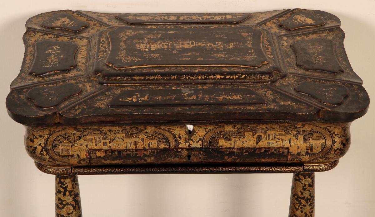 Wunderschöner Nähtisch mit chinesischer Handmalerei Antik Kolosseum 4