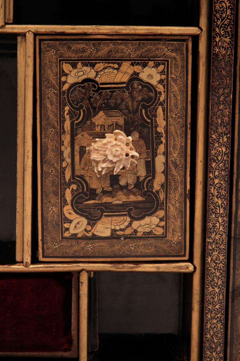 Wunderschöner Nähtisch mit chinesischer Handmalerei Antik Kolosseum 7