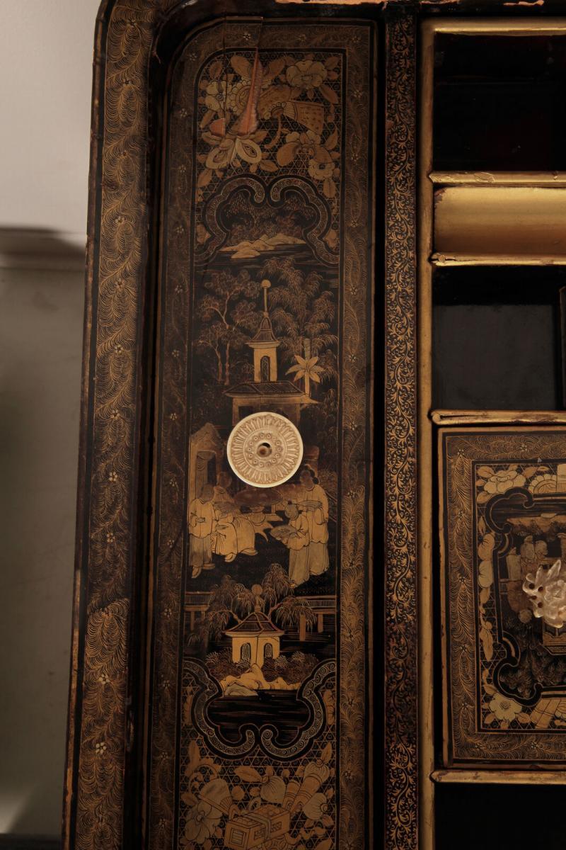 Wunderschöner Nähtisch mit chinesischer Handmalerei Antik Kolosseum 8