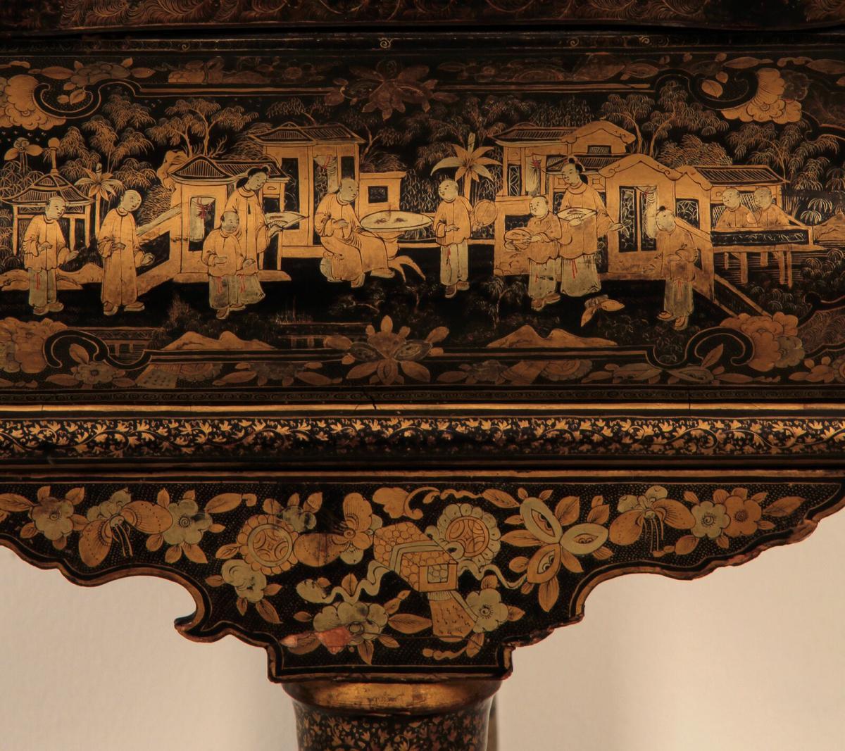 Wunderschöner Nähtisch mit chinesischer Handmalerei Antik Kolosseum 9