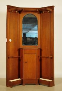 Seltene Eiche Eckgarderobe aus dem Jugendstil Antik Kolosseum