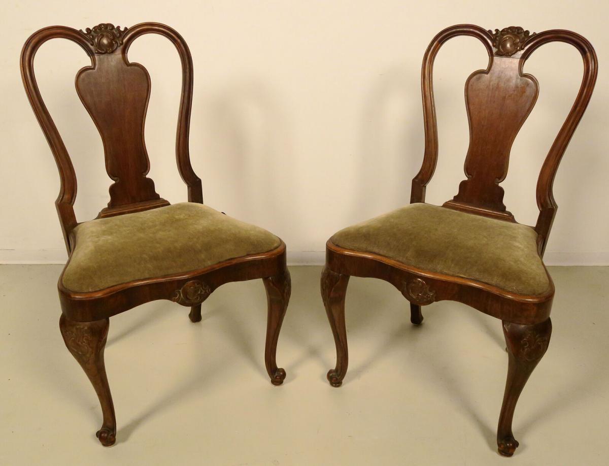 Zwei Neobarock Stühle aus Nussbaum gefertigt um 1930 Antik - Kolosseum 0