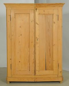 Zweiteiliger Weichholz Kleiderschrank aus der Biedermeierzeit Antik Kolosseum