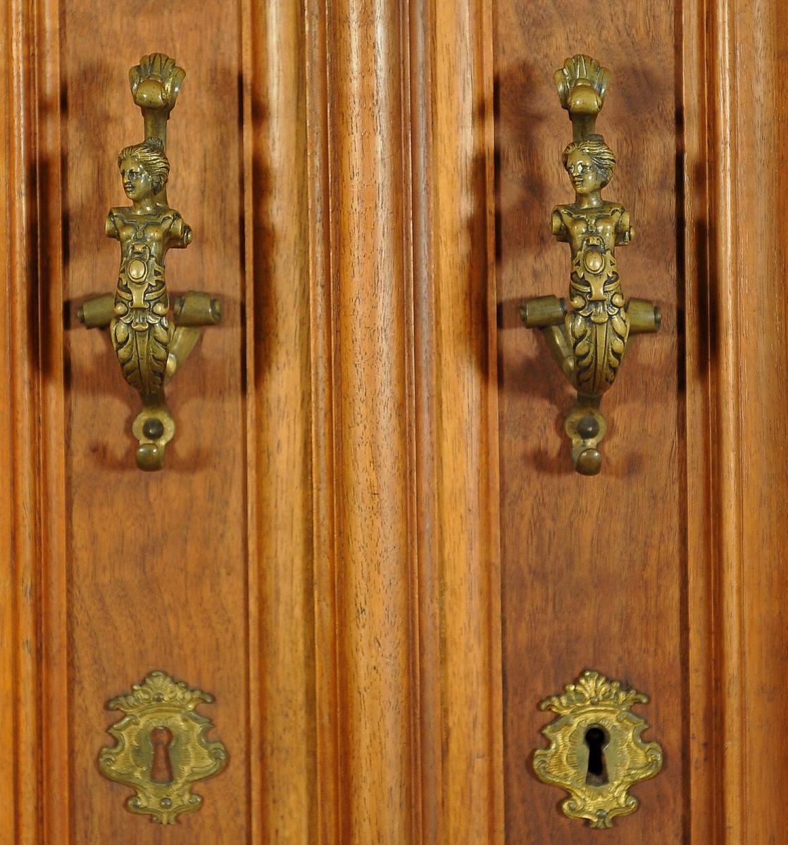 Gründerzeit Dielenschrank / Kleiderschrank mit schönen BeschlägenAntik Kolosseum 4