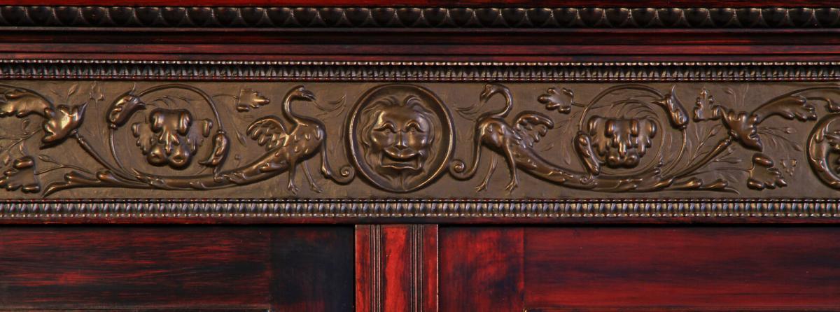 Gründerzeit Nussbaum Kabinettschrank mit schönen Schnitzereien Antik Kolosseum 4