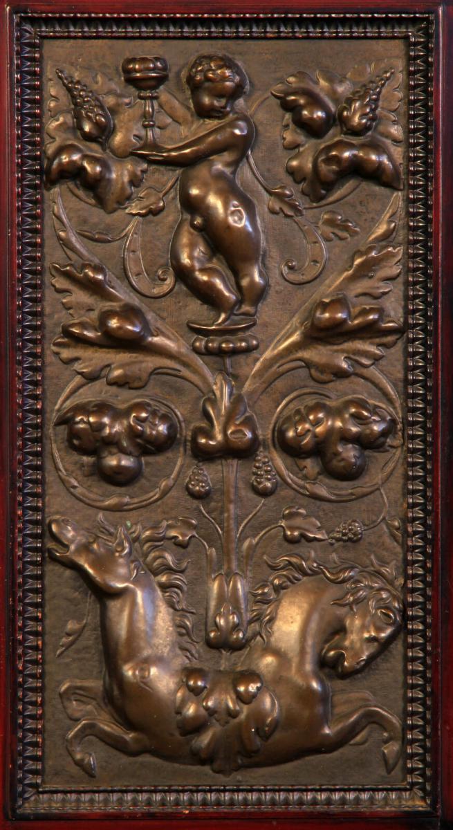Gründerzeit Nussbaum Kabinettschrank mit schönen Schnitzereien Antik Kolosseum 6