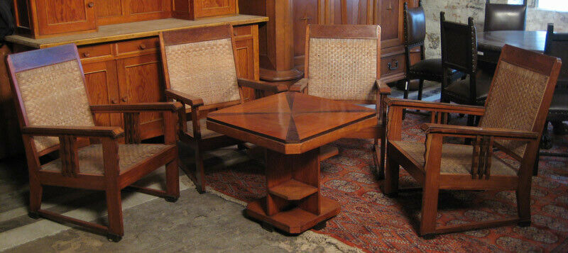 Nussbaum Sitzguppe des Pariser Art Deko Vier Armlehner und Tisch Antik Kolosseum 0