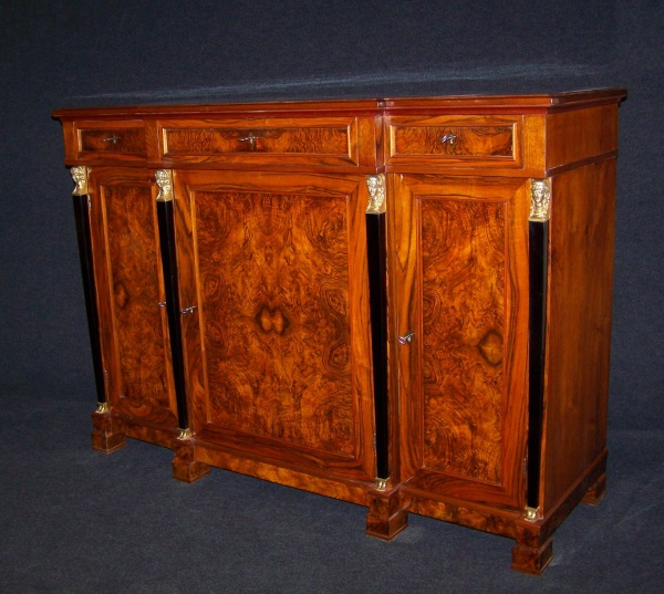 biedermeier anrichte um 1850 aus nu baum schellack handpoliert a. Black Bedroom Furniture Sets. Home Design Ideas