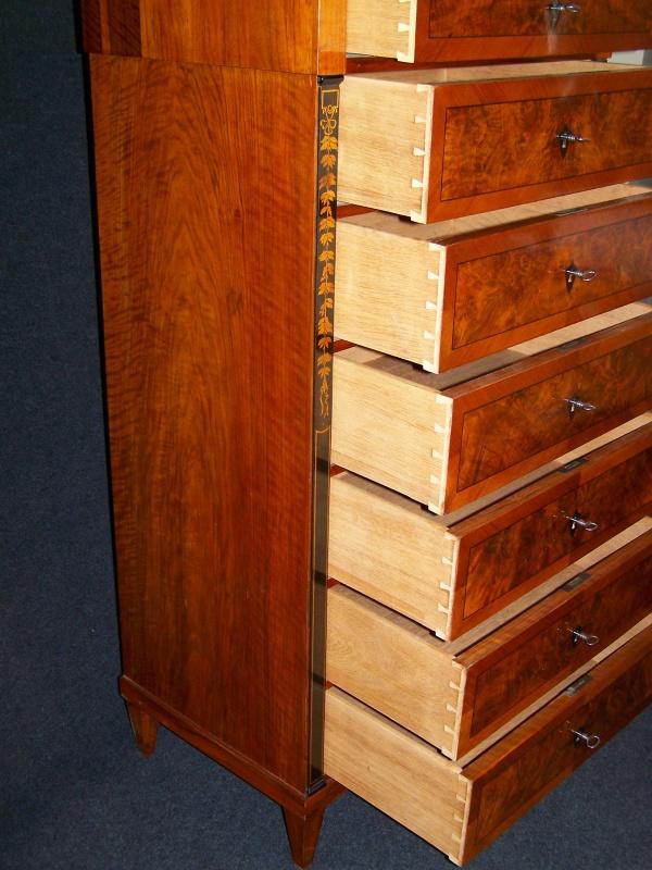 biedermeier chiffoniere aus nu baum um 1840 schellack handpolie. Black Bedroom Furniture Sets. Home Design Ideas