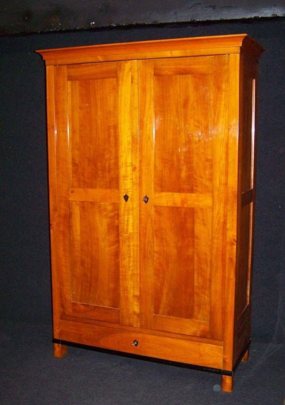 biedermeier ii zeit schrank um 1900 aus massiv kirschbaum schellack handpoliert. Black Bedroom Furniture Sets. Home Design Ideas
