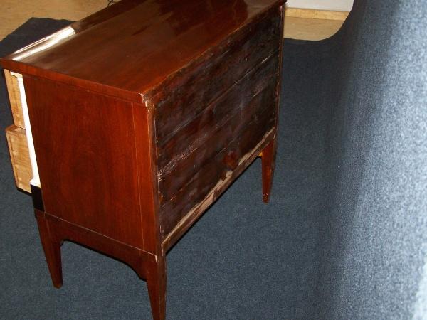 Biedermeier Kommode aus Mahagoni, um 1810, Schellack handpoliert 4