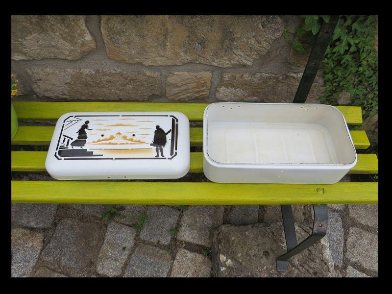 Silhoulette Black/ Laden Antik Brot Kasten Deckel Box  ** TOP gereinigt / Enamel