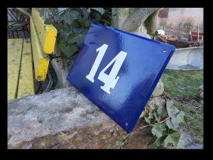 Haus Nummer 14 15 16 17 18 19 21 / gewölbt & fette weiße Schrift / 30 x 21 cm 0