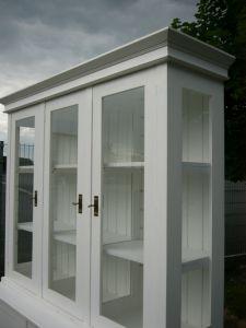 Vitrine 3 seitig verglast im Landhaus Stil weiß traumhaft