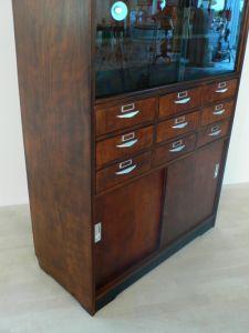 Ladenschrank aus Drogerie vollrestauriert antik original Sehr selten um 1940 Jhd 21