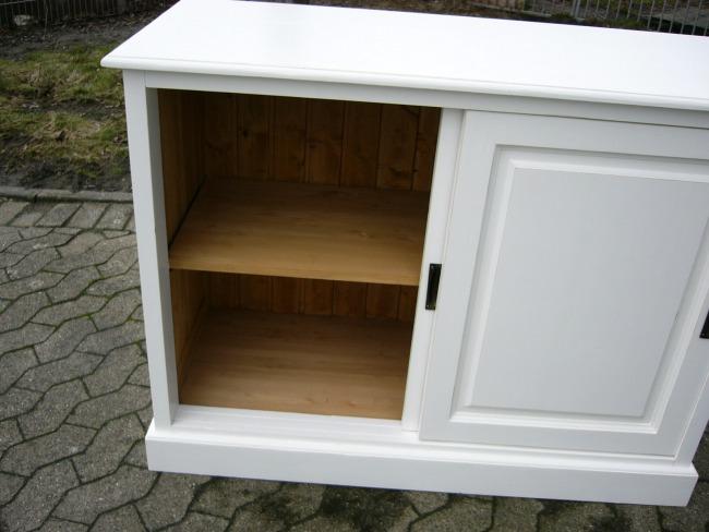 kommode anrichte schiebet ren im landhaus look. Black Bedroom Furniture Sets. Home Design Ideas