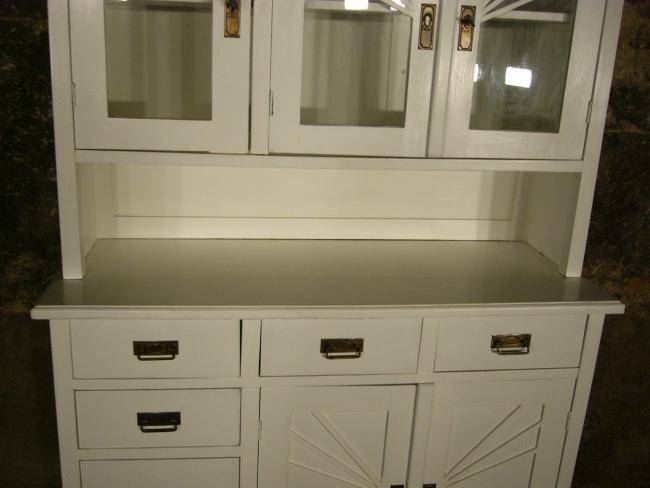 buffet jugendstil antik k chen schrank im landhaus stil um. Black Bedroom Furniture Sets. Home Design Ideas
