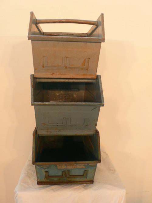 3 Kisten stapelbar Industrie Style Metall um 1950